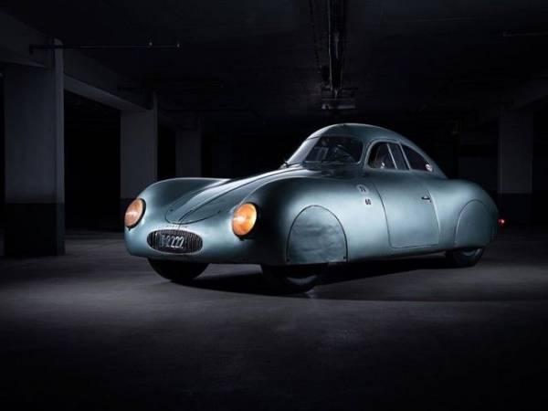 8 раритетных фото самого старого в мире Porsche Интересное
