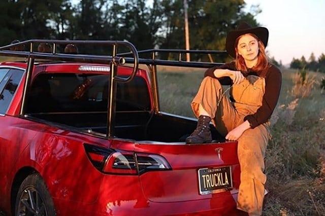 Tesla сейчас не делает пикапы, женщина приняла решение это поменять Приколы,женщины,лето