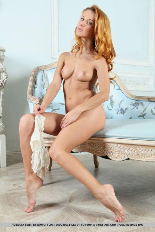Рыжеволосая красавица Роберта Берти Развлечения,бикини,девушки,красотки