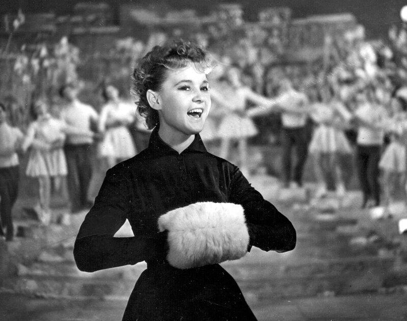 Секреты стройности шести разных поколений советских женщин Интересное