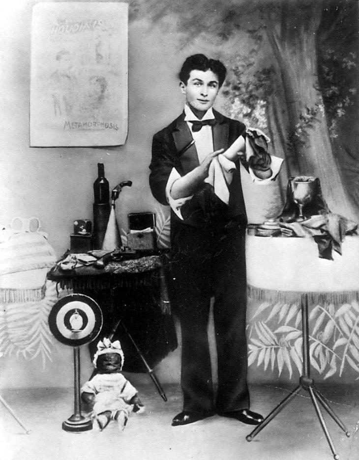 Редкие фотографии Гарри Гудини — известного мага начала 20-го века Интересное