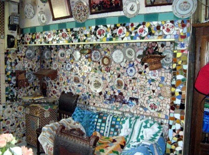 Как выглядит дом из осколков, который мужчина строил 50 лет   Интересное