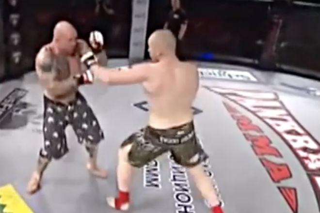 Российский боец вышел на ринг и уничтожил американскую легенду ММА Культура