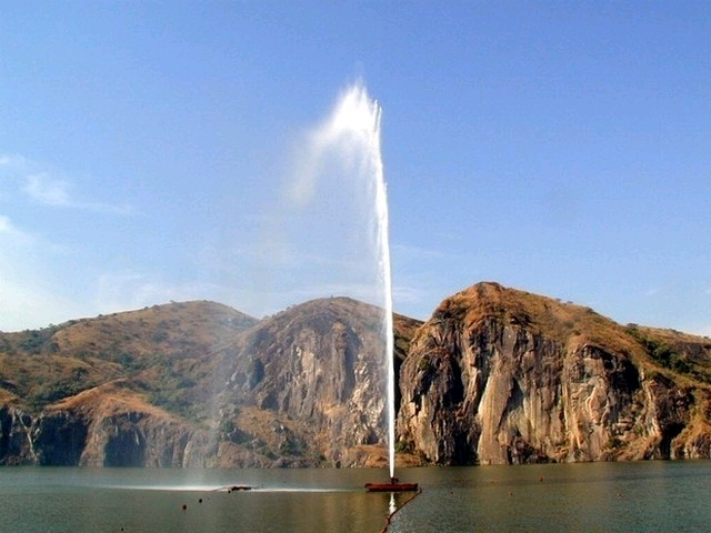 Тихое кратерное озеро, убившее 1700 человек Камерун,озеро,трагедия