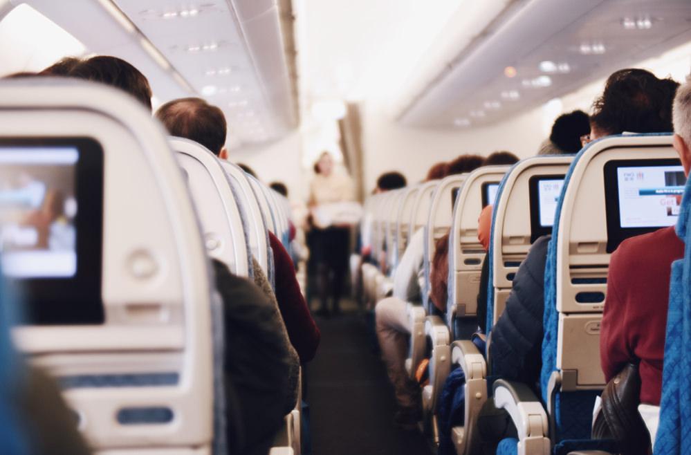 Трэвел-хаки: как выжить во время полёта и после авиатур,поездка