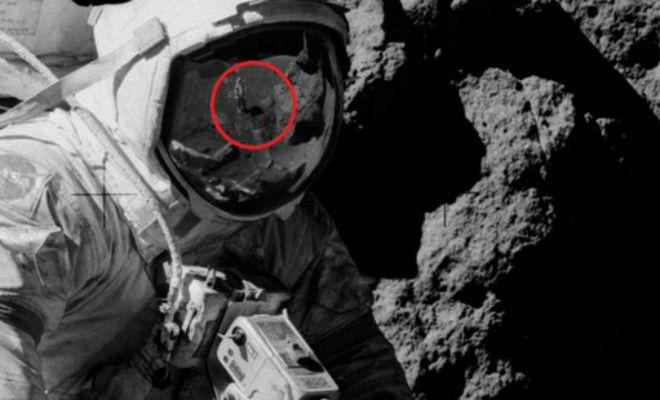На шлеме астронавта с луны разглядели человека без скафандра Аполлон-17,луна,миссия на луну,Пространство,теория заговора