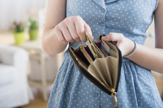Что нельзя хранить в кошельке: 5 вещей, которые отталкивают деньги