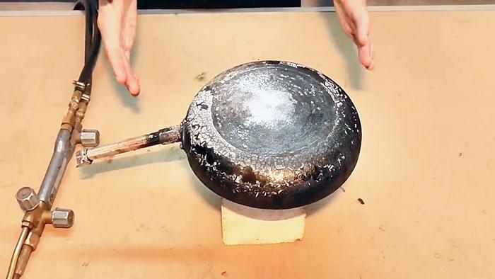 Как просто очистить сковородку от нагара без «химии» домоводство,своими руками,чистим сковороду